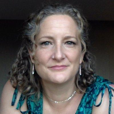 Dr Sarah Newcomb